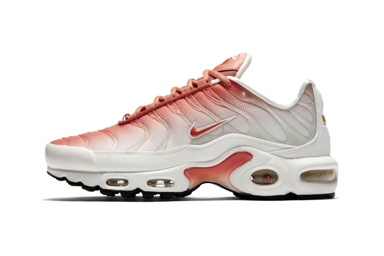141a5b50c24413 Nike s Latest Air Max Plus Features a Faded Rose Gradient