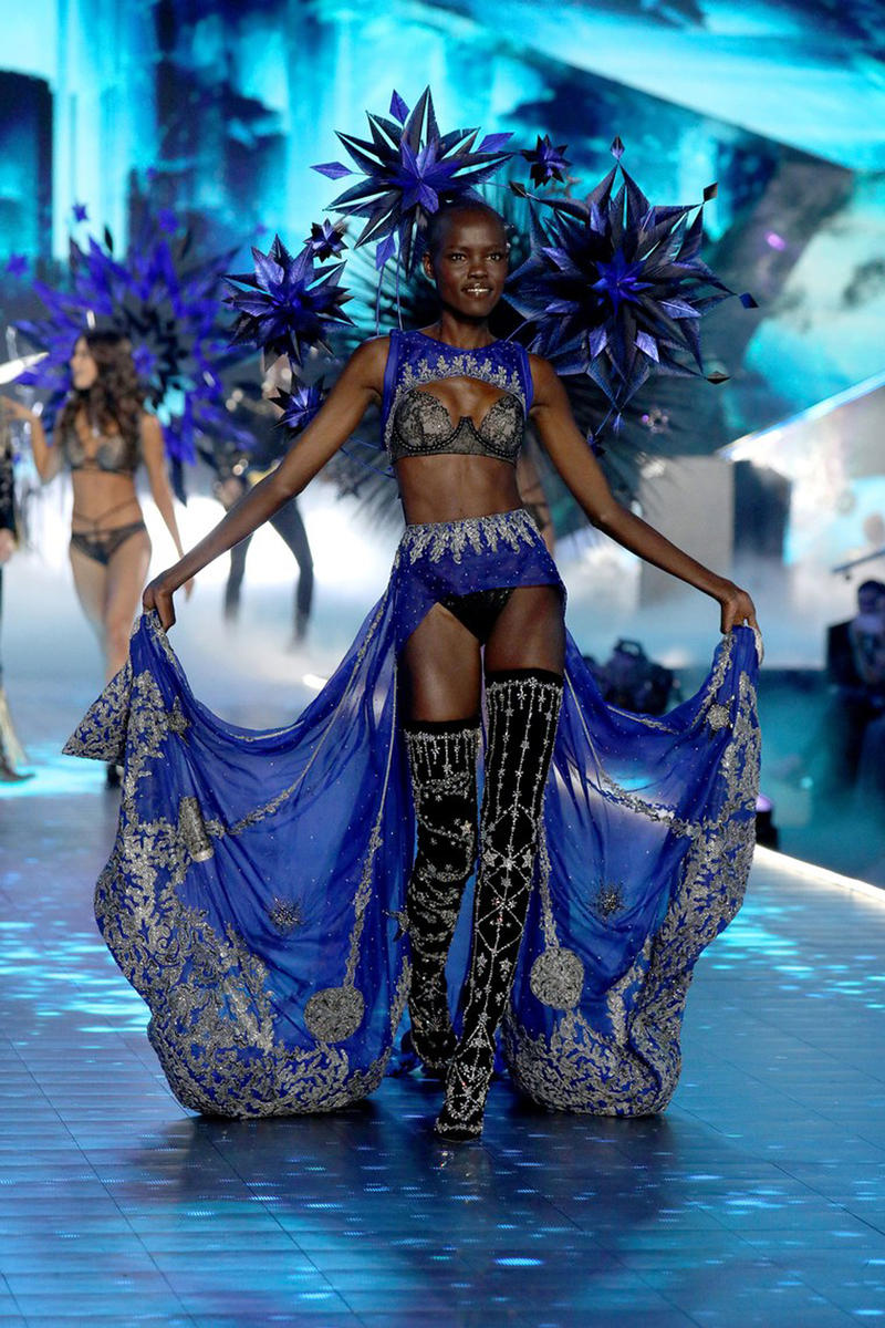 2018 Victoria's Secret Fashion Show Grace Bol