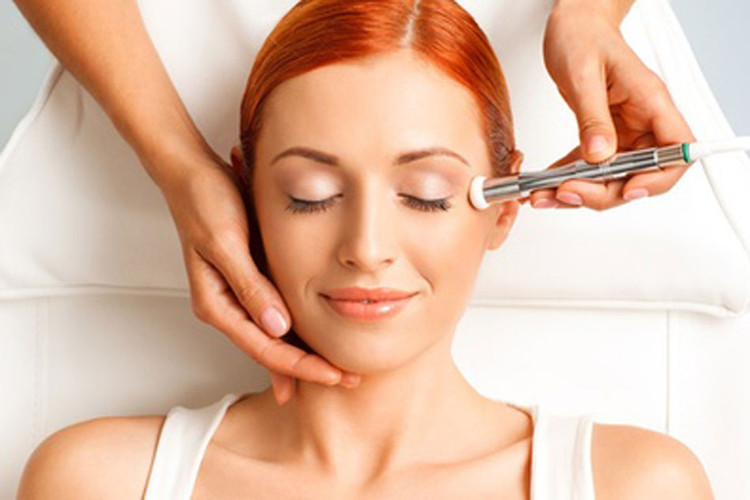 Skin Laundry Laser & Light Facial Review | HYPEBAE
