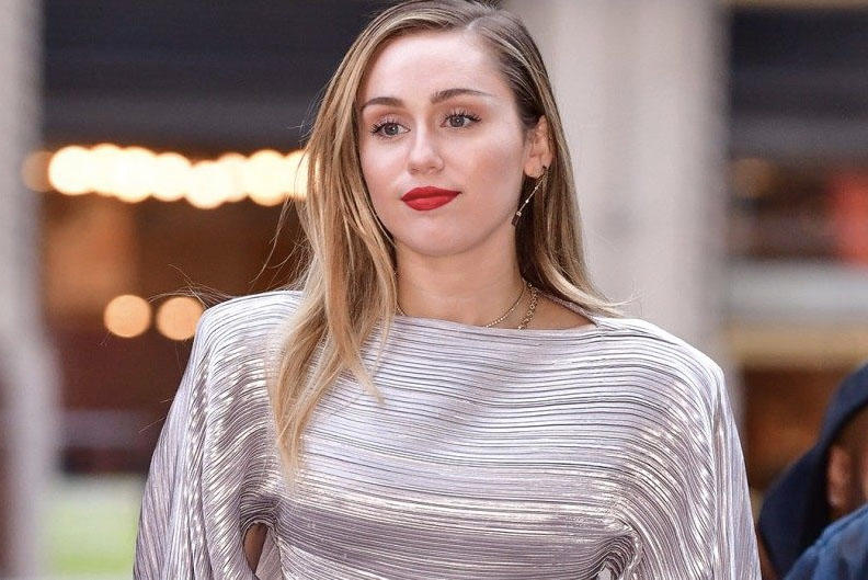 "Miley Cyrus Confirms ""Black Mirror"" Role Netflix Actress Episode Reveal"