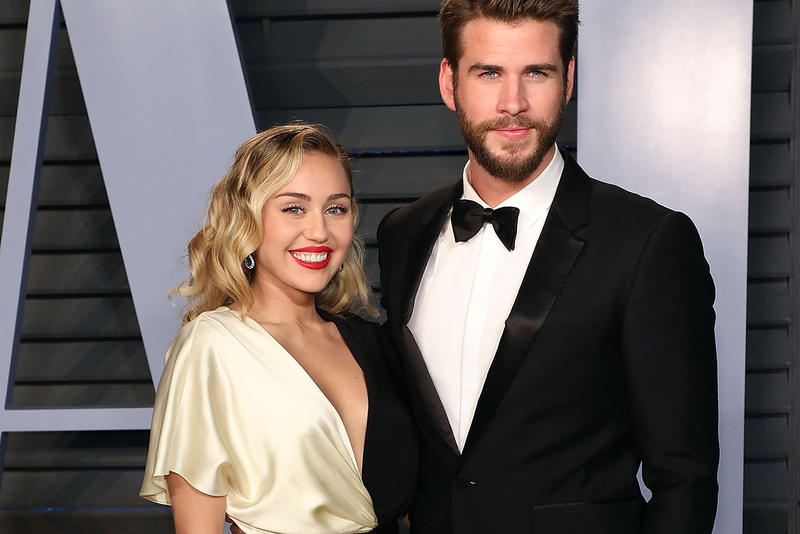 Miley Cyrus Liam Hemsworth Red Carpet Blonde Red Lips Lipstick