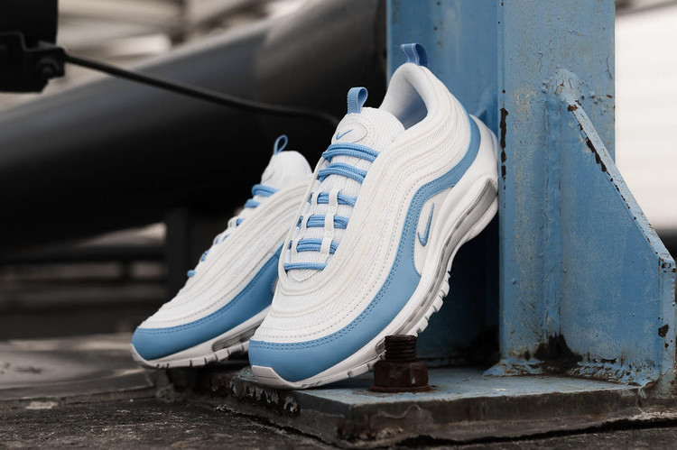 cabb0162d50d Stay Cool in Nike s Air Max 95 and Air Max 1 in
