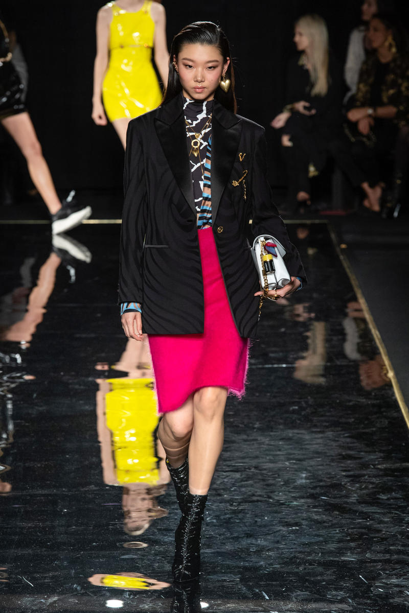 Versace Pre-Fall 2019 Runway Fashion Show New York Mulan Bae