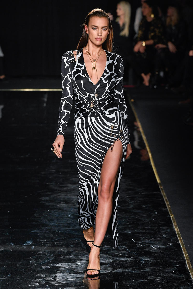 Versace Pre-Fall 2019 Runway Fashion Show New York