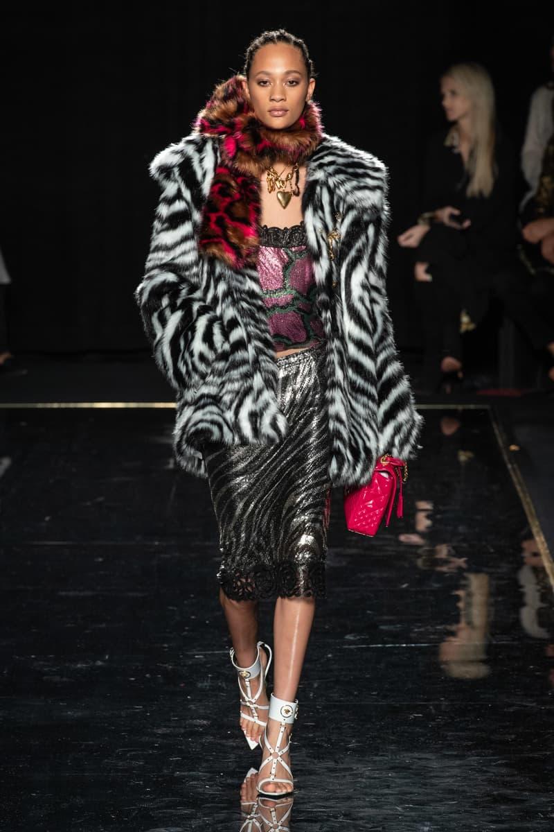 Versace Pre-Fall 2019 Runway Fashion Show New York Selena Forrest