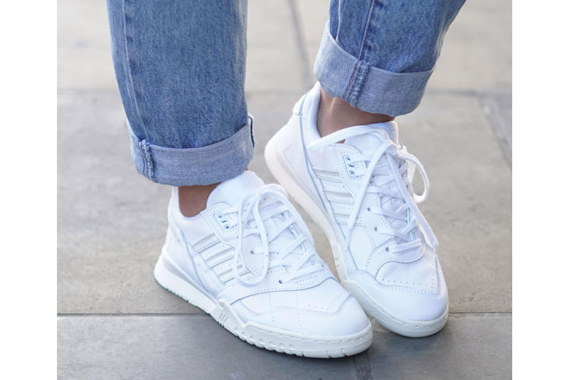 adidas Originals A R Trainer Raw White