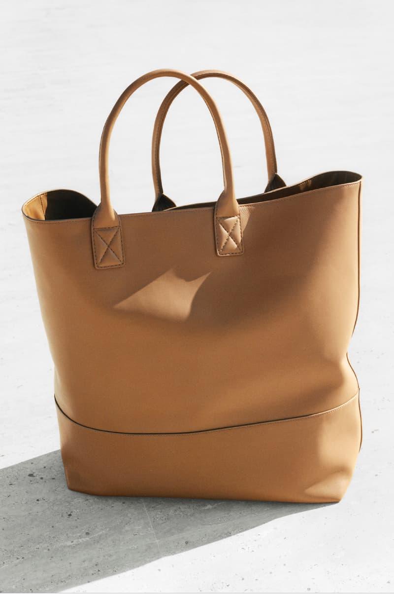 Bottega Veneta Spring 2019 SS19 Campaign Daniel Lee Tyrone Lebon Old Celine Designer tan tote bag