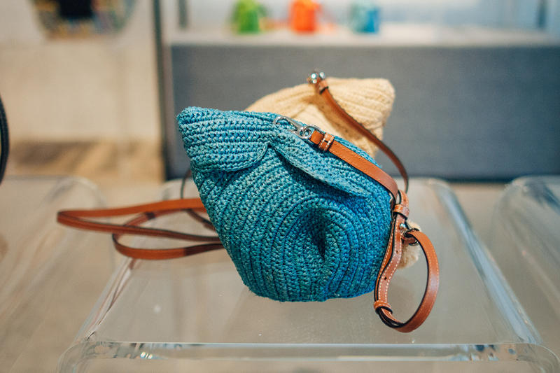loewe jw anderson closer look ss19 spring summer 2019 puzzle gate hammock handbags