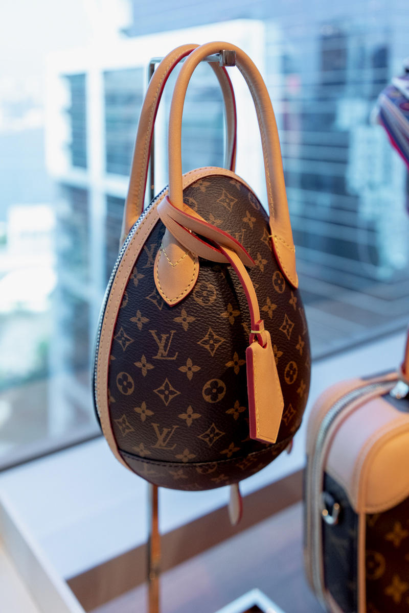 6a1ce40500d5 louis vuitton womenswear nicholas ghesquiere new wave bags monogram lv