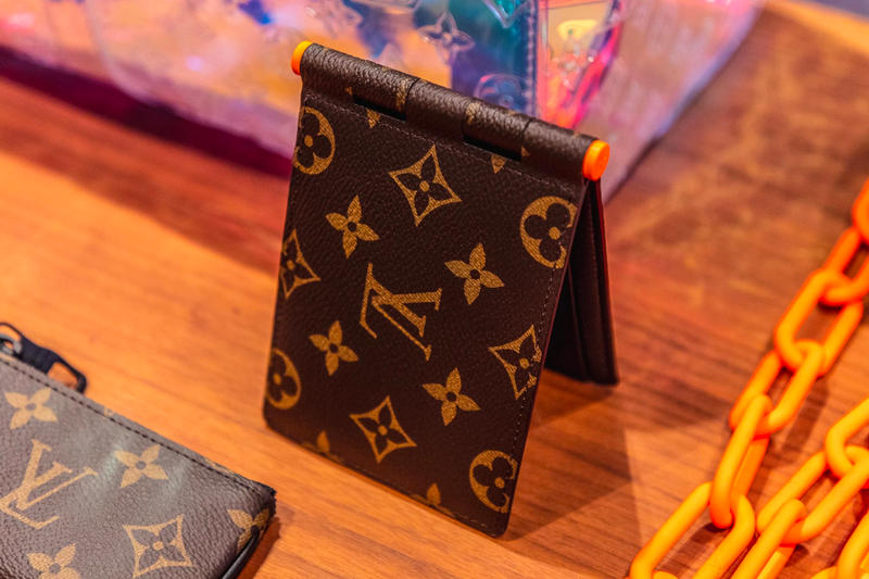 louis vuitton virgil abloh ss19 spring summer 2019 menswear monogram wallet orange chain
