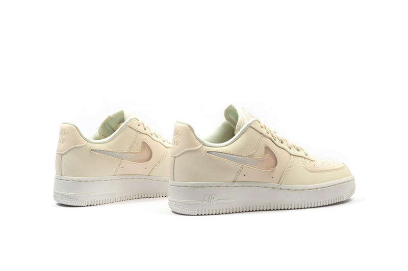 brand new 505a3 ae3e3 Nike Air Force 1 07 SE Premium Pale Ivory Summit White