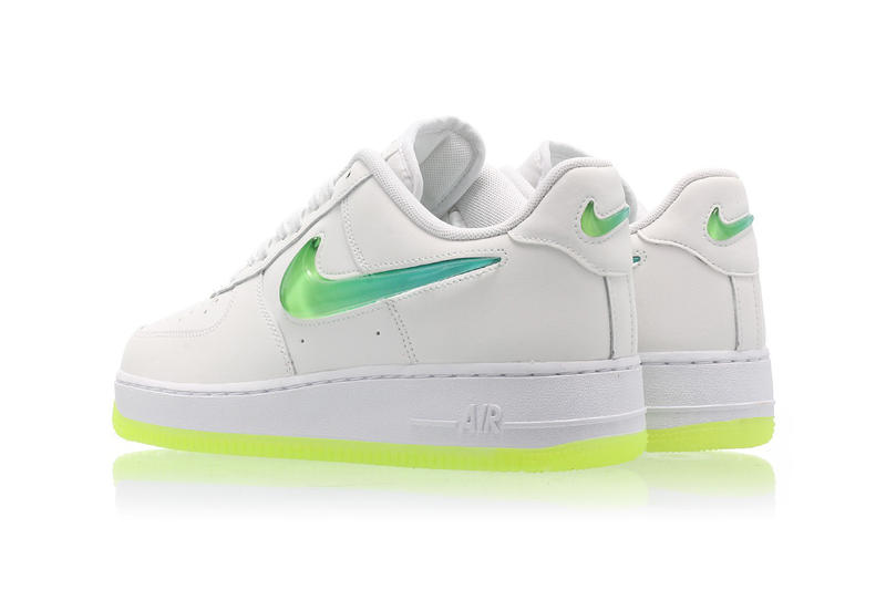 separation shoes b2566 7c8ed Nike Air Force 1 Hyper Jade Ombré Swoosh Volt