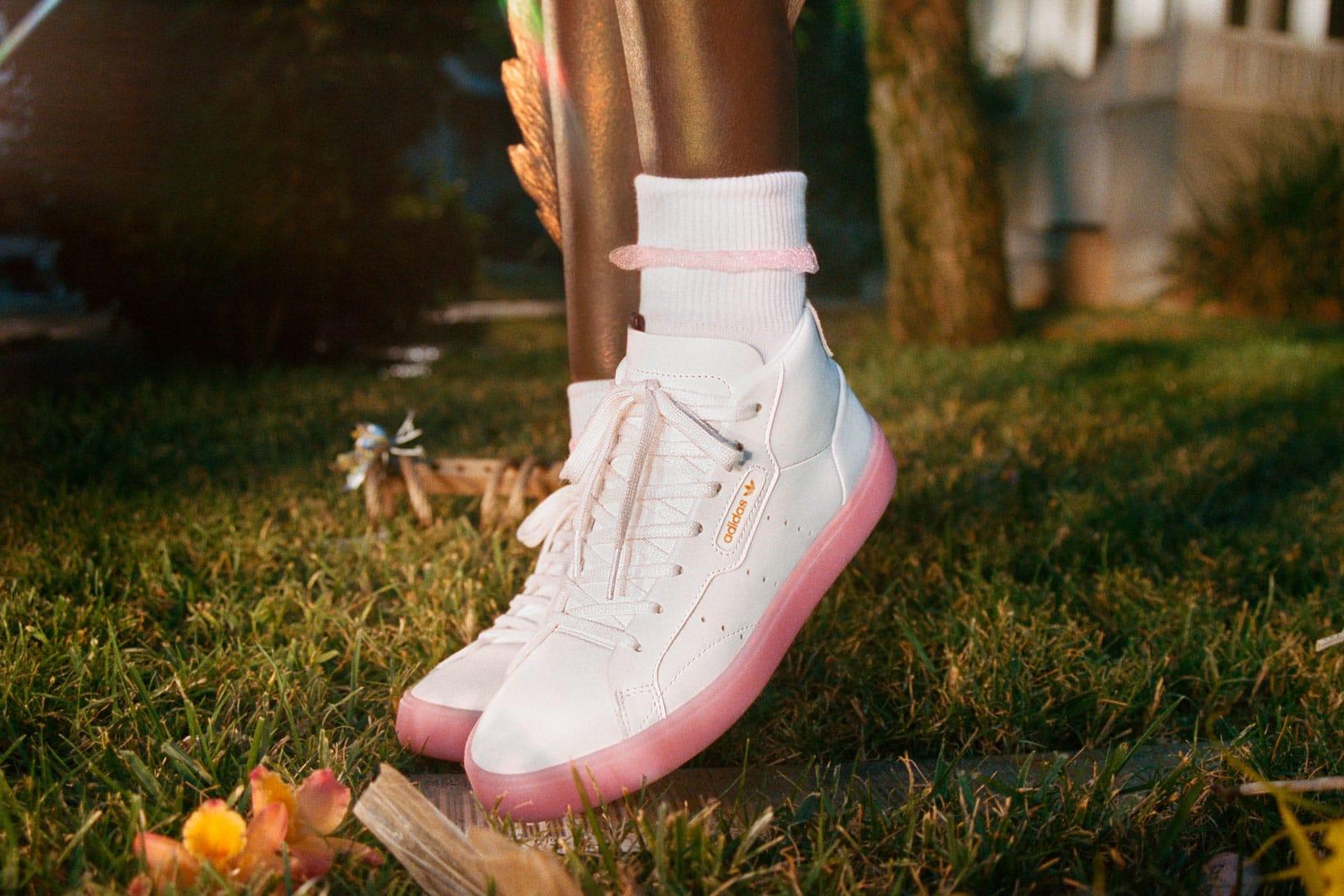 adidas Sleek in Pink, Blue, White
