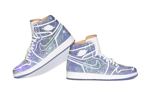d6554c4bb44 This Air Jordan 1 Is Covered in Over 15,000 Sparkly Crystals