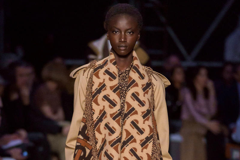 Burberry Riccardo Tisci Fall Winter 2019 London Fashion Week Show Collection Scarf Jacket Tan