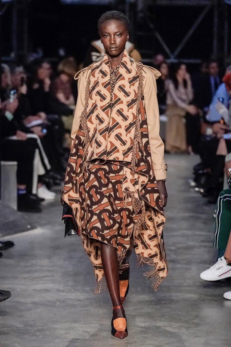 Burberry Fall/Winter 2019 London Fashion Week Show Riccardo Tisci Presentation Runway Pieces FW19 LFW