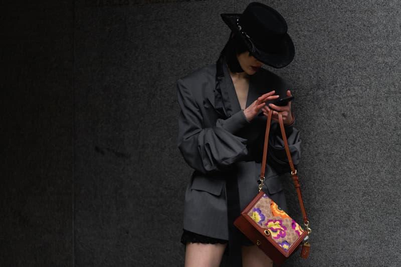 New York Fashion Week Fall Winter 2019 Street Style Snaps Blazer Black Coach Bag Brown