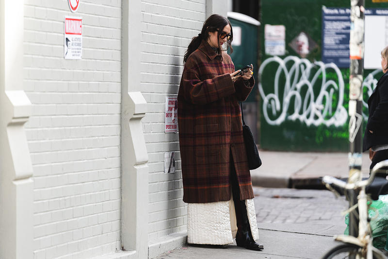 new york fashion week nyfw fall winter 2019 fw19 street style blogger influencer plaid coat boots