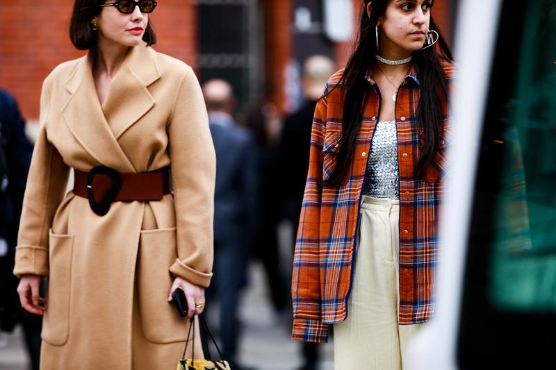 Paris Fashion Week Street Style Fall Winter 2019 Kat Collings Jacket Tan Belt Brown Blazer Red Blue