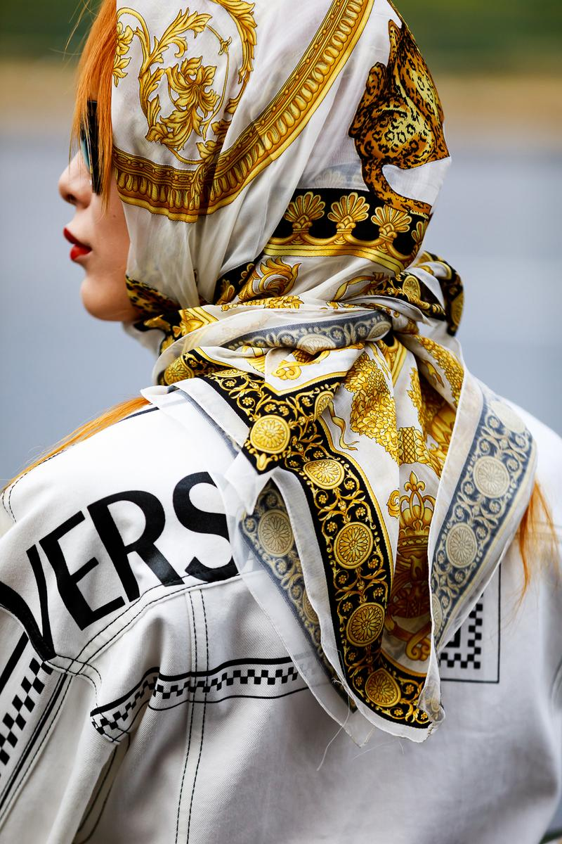 Paris Fashion Week Street Style Fall Winter 2019 Versace Scarf Top Gold White Yellow Black