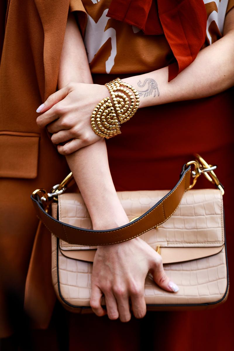Paris Fashion Week Street Style Fall Winter 2019 Chloe Bag Brown Bracelet Gold