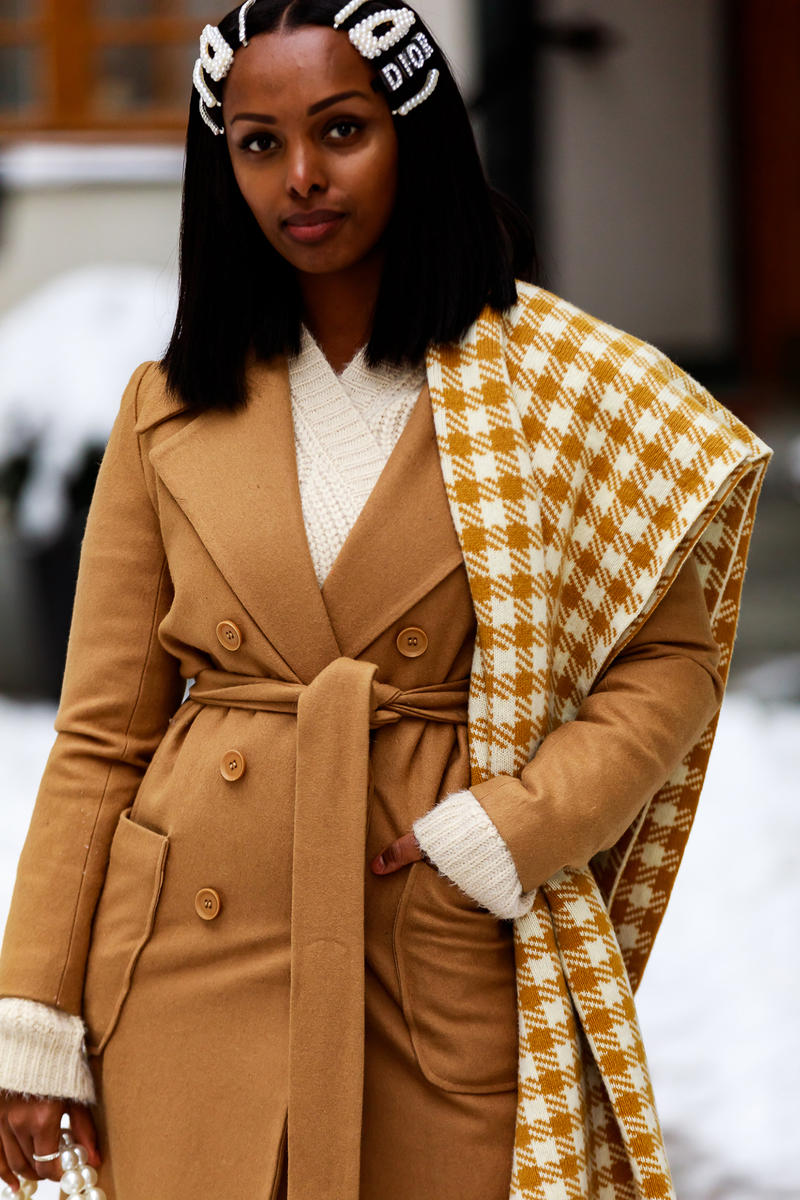 stockholm fashion week street style blogger influencer coat scarf hair clips pearl