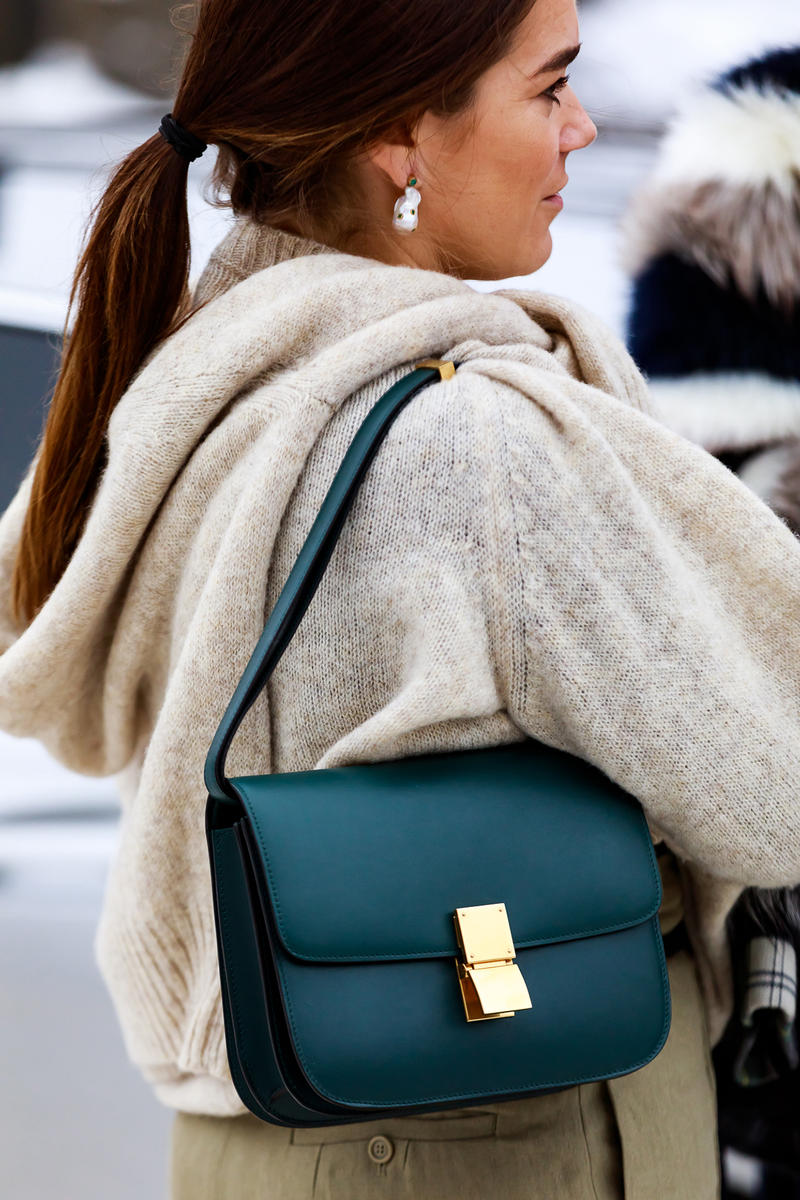 stockholm fashion week street style blogger influencer celine phoebe philo classic box bag pearl earring