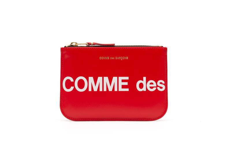COMME des GARÇONS Red and Black Logo Wallets White Big Print Coin Pouch