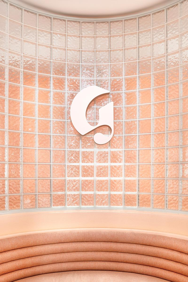 Glossier Miami Pop-Up Store 2019 Interior Emily Weiss Makeup Skincare Fragrance Beauty Cosmetics Pink Millennial Pastel Art Deco Design Mural Jacquie Comrie
