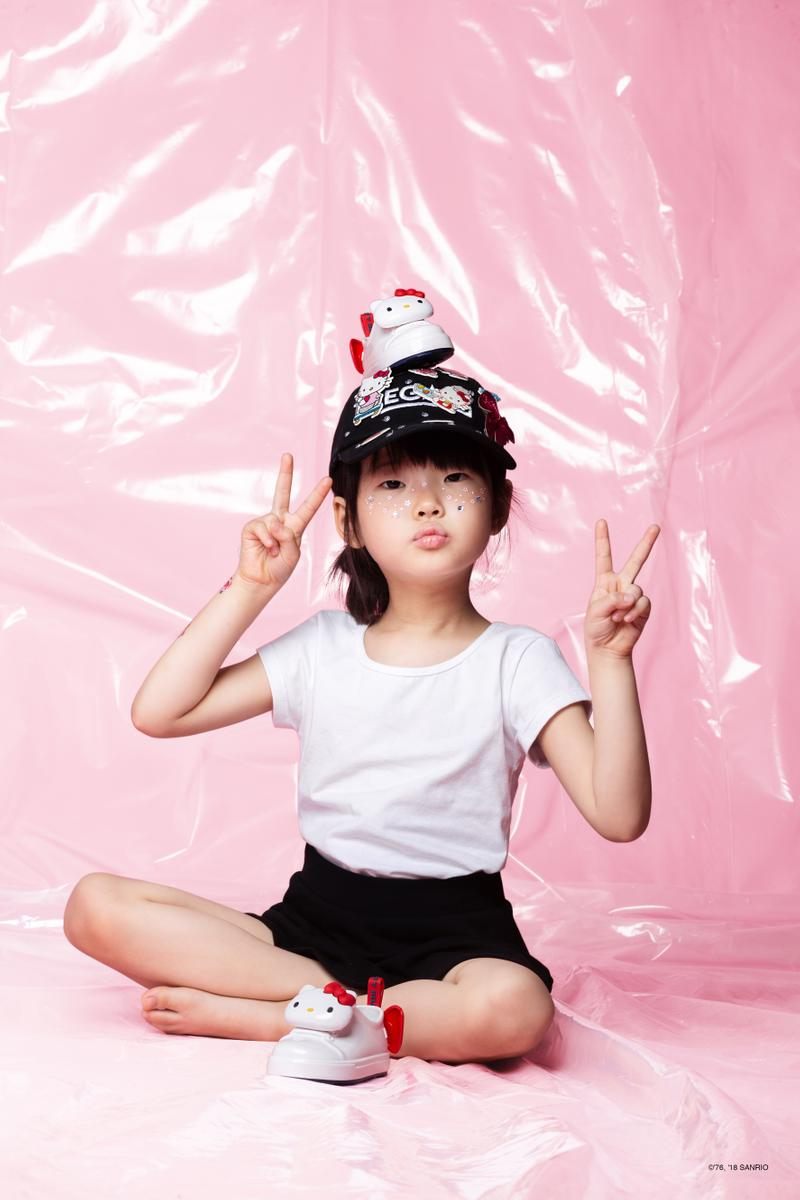 Melissa Launches Hello Kitty-themed Collection Rubber Sneaker Sandals Bow Pink Kids Shoes Lookbook