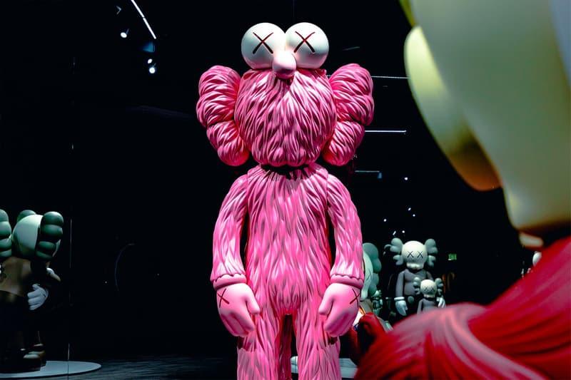 KAWS: ALONG THE WAY Hong Kong Exhibition BFF Sculpture Pink