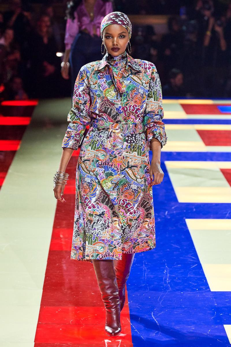Tommy Hilfiger TommyNow Zendaya Spring 2019 Paris Fashion Week Show Collection Halima Trench Coat Turban White Pink Blue