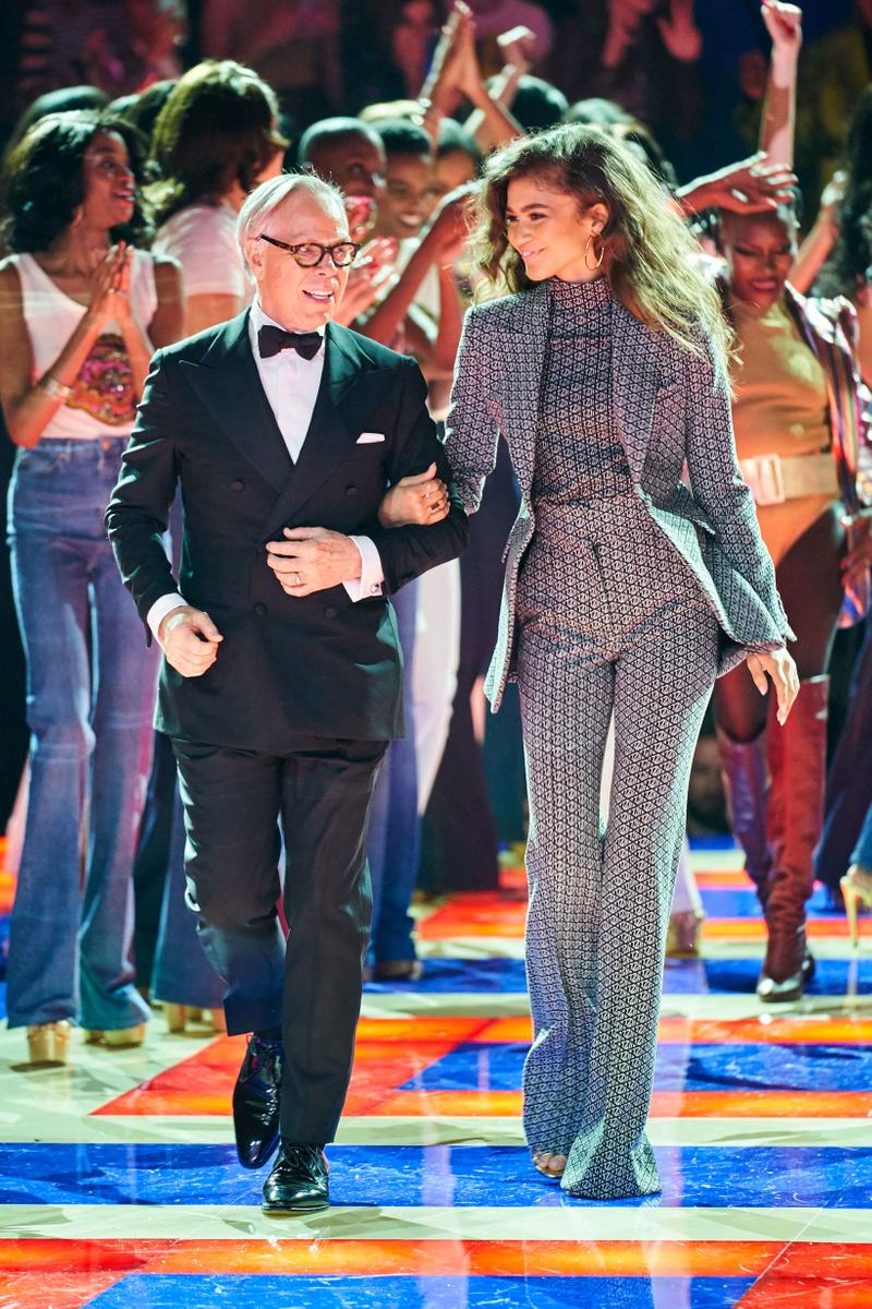 Tommy Hilfiger TommyNow Zendaya Spring 2019 Paris Fashion Week Show Collection Suits Grey Black