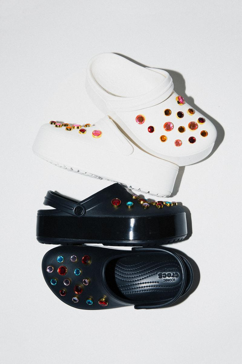 BEAMS x Crocs Capsule Collection Clockband Platform Embossed Clog Black White