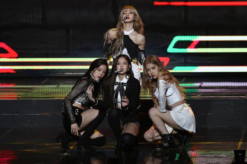 BLACKPINK Jennie Rosé Lisa Jisoo Tops Skirts Black White