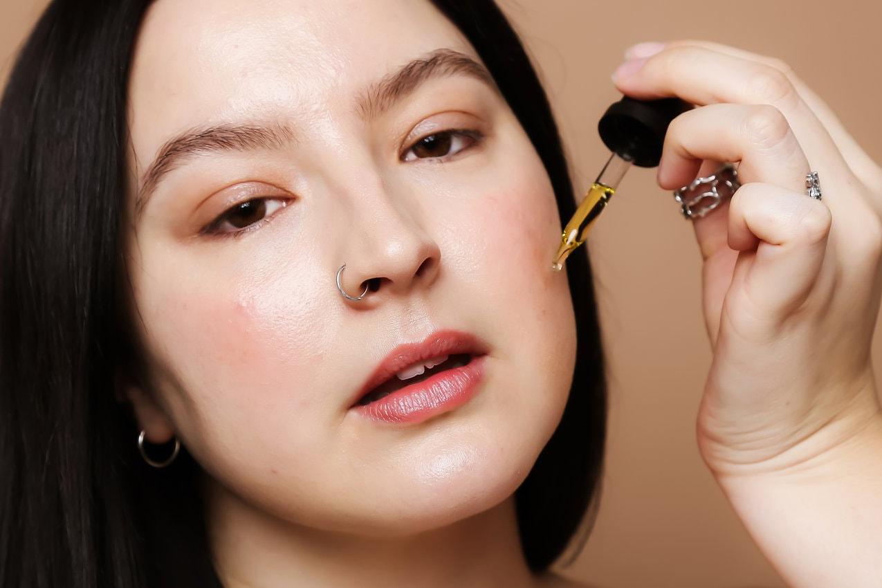 CBD Oil Benefits Skincare, Anxiety & Mental Health | HYPEBAE
