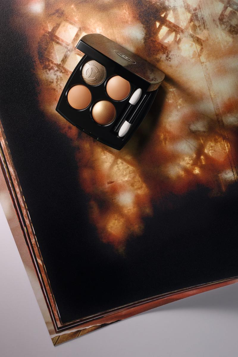 Chanel Beauty Cruise 2019 Makeup Eyeshadow Compact Logo CC