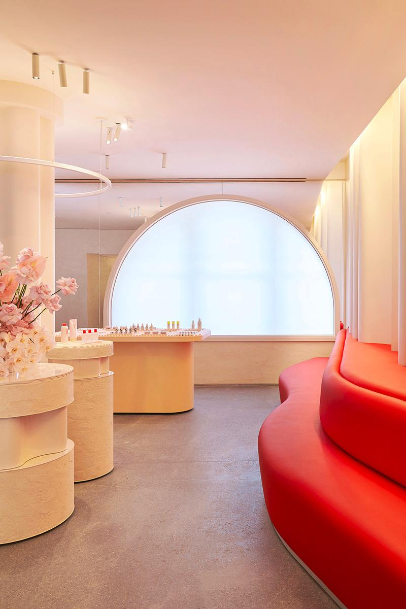 Glossier Beauty Makeup Skincare Brand Emily Weiss Pink Pastel Millennial New York City Flagship Interior