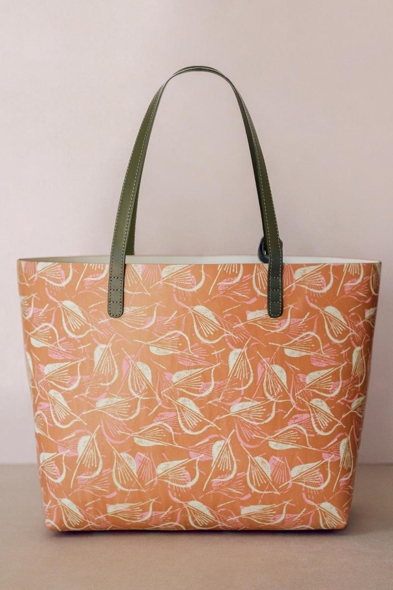 Marc Camille Chaimowicz x Mansur Gavriel Spring Summer 2019 Collection Tote Bag Peach Navy