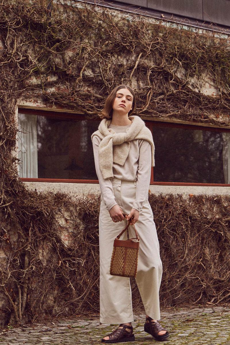 Norse Store Spring Summer 2019 Editorial Sweaters Cream Bag Tan