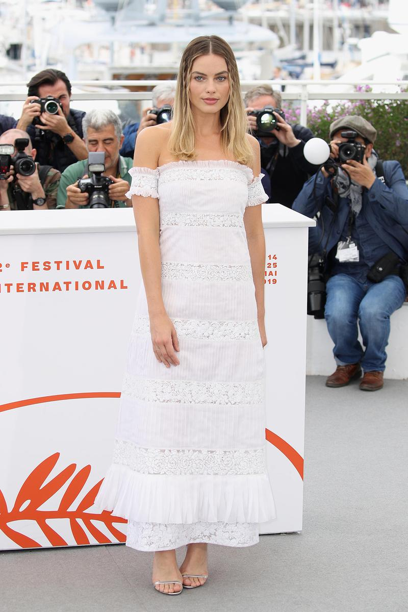 Margot Robbie Once Upon A Time In Hollywood Photocall White Chanel Dress Cannes 72nd film festival