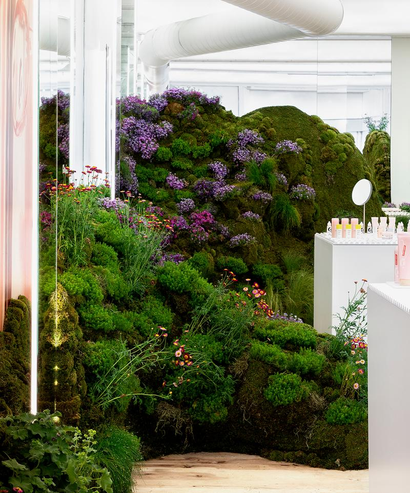 Glossier Seattle Pop-up Interior Makeup Skincare Beauty Emily Weiss Garden Grass Flowers