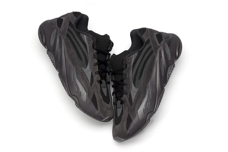 yeezy 700 v2 black