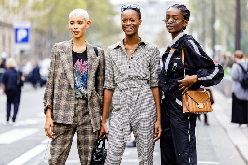 Paris Fashion Week Spring Summer 2019 Streetstyle Jacket Grey Black Bag Brown