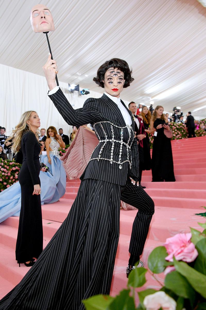 Ezra Miller Eyes Makeup Burberry Suit Met Gala 2019 Red Carpet Camp Notes on Fashion