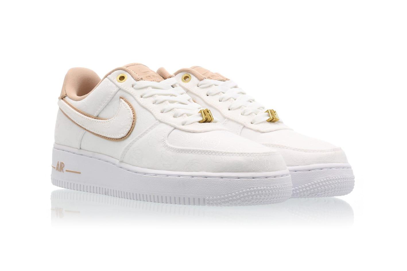 Nike Air Force 1 \u002707 LX in White/Bio Beige/Gold