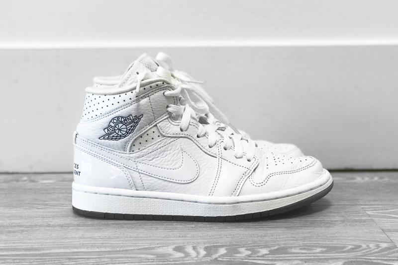 super popular 73b6f 67085 Nike Air Jordan 1 Mid