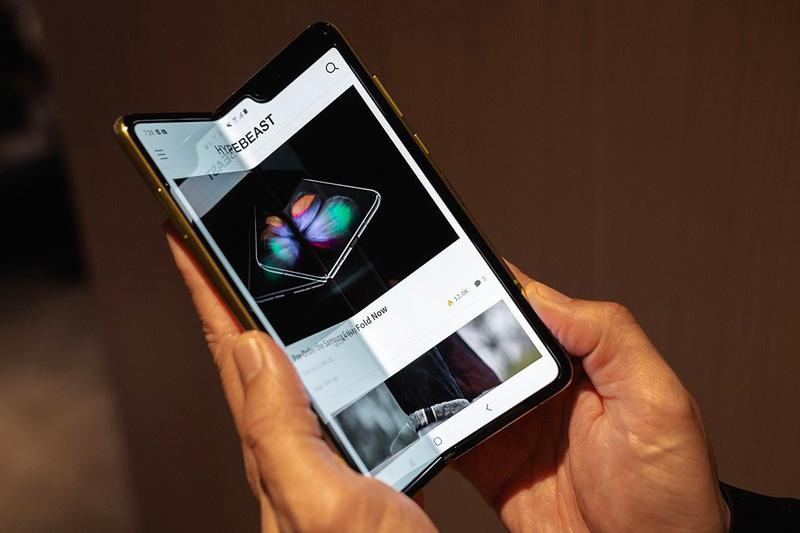 AT&T Cancels All Samsung Galaxy Fold Pre-Orders Phone Damage Faulty Problem Broken Technology