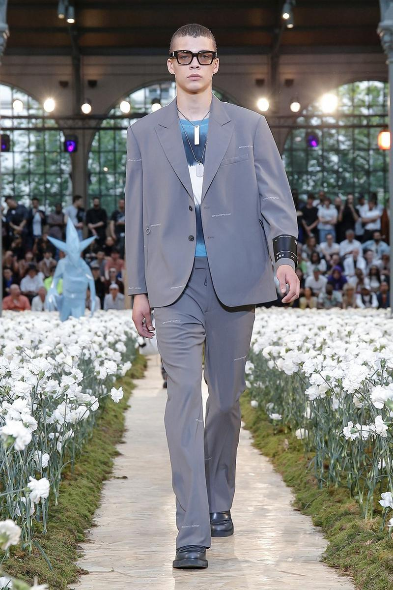 Off-White Virgil Abloh Spring Summer 2020 Paris Fashion Week Show Collection Backstage Suit Blazer Pants Grey