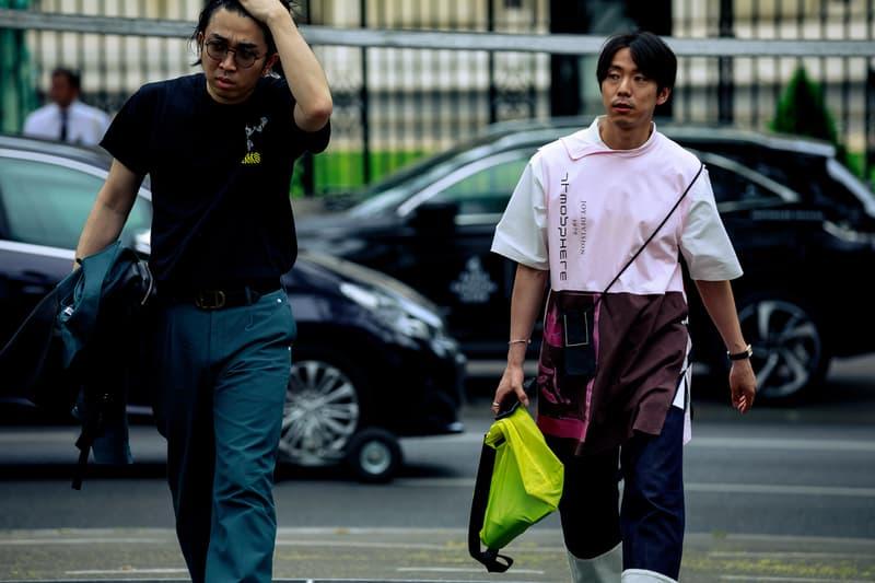 Paris Fashion Week Men's Spring Summer 2020 Street Style Shirt Black Pink White Bag Green